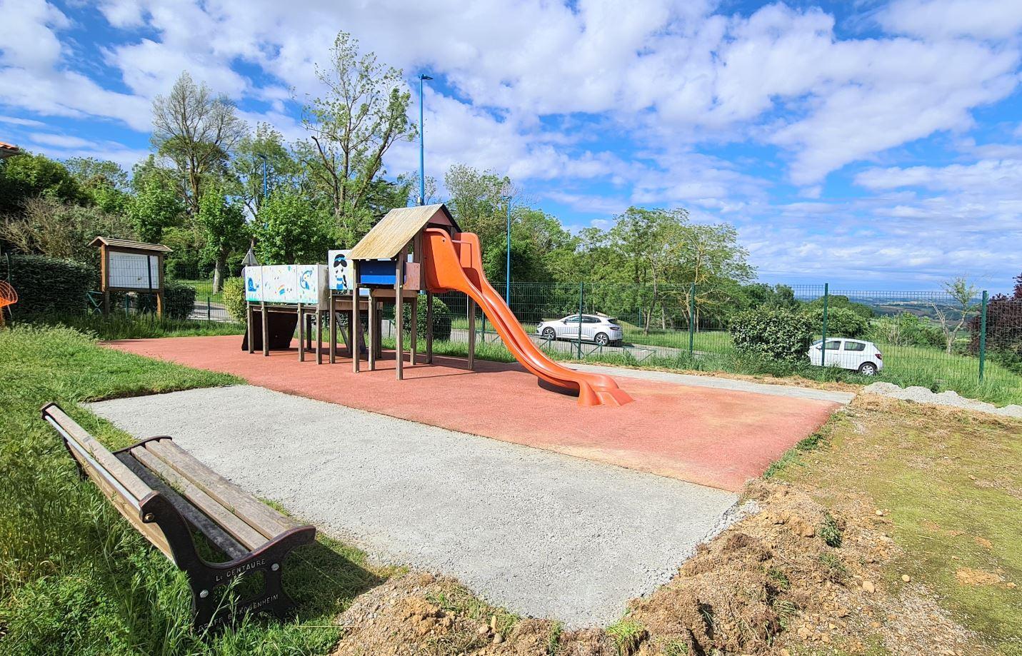 Renovation en cours aire jeux